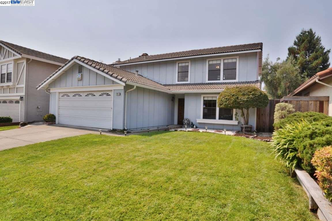 Single Family Home for Sale at 19951 Clement Drive 19951 Clement Drive Castro Valley, California 94552 United States