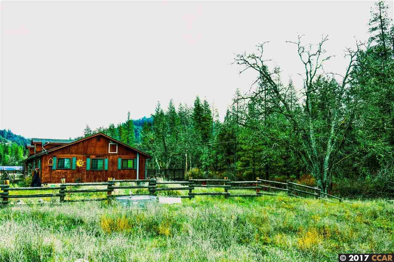 Частный односемейный дом для того Продажа на 13480 State Highway 3 13480 State Highway 3 Hayfork, Калифорния 96041 Соединенные Штаты