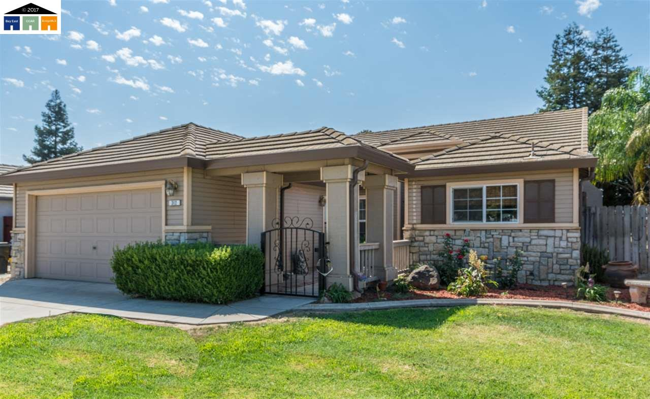 Single Family Home for Sale at 312 Sunnyhill Drive 312 Sunnyhill Drive Turlock, California 95382 United States