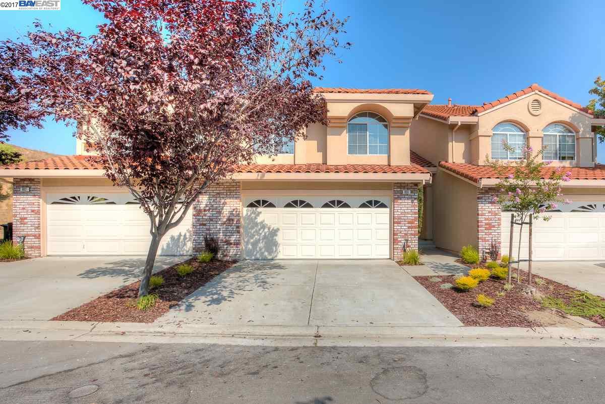 Casa unifamiliar adosada (Townhouse) por un Venta en 906 Cloverberry Way San Ramon, California 94582 Estados Unidos