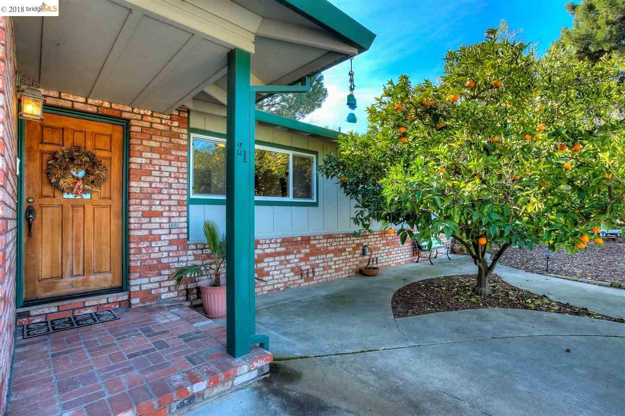 Casa Unifamiliar por un Venta en 21 Poco Lane 21 Poco Lane Oakley, California 94561 Estados Unidos