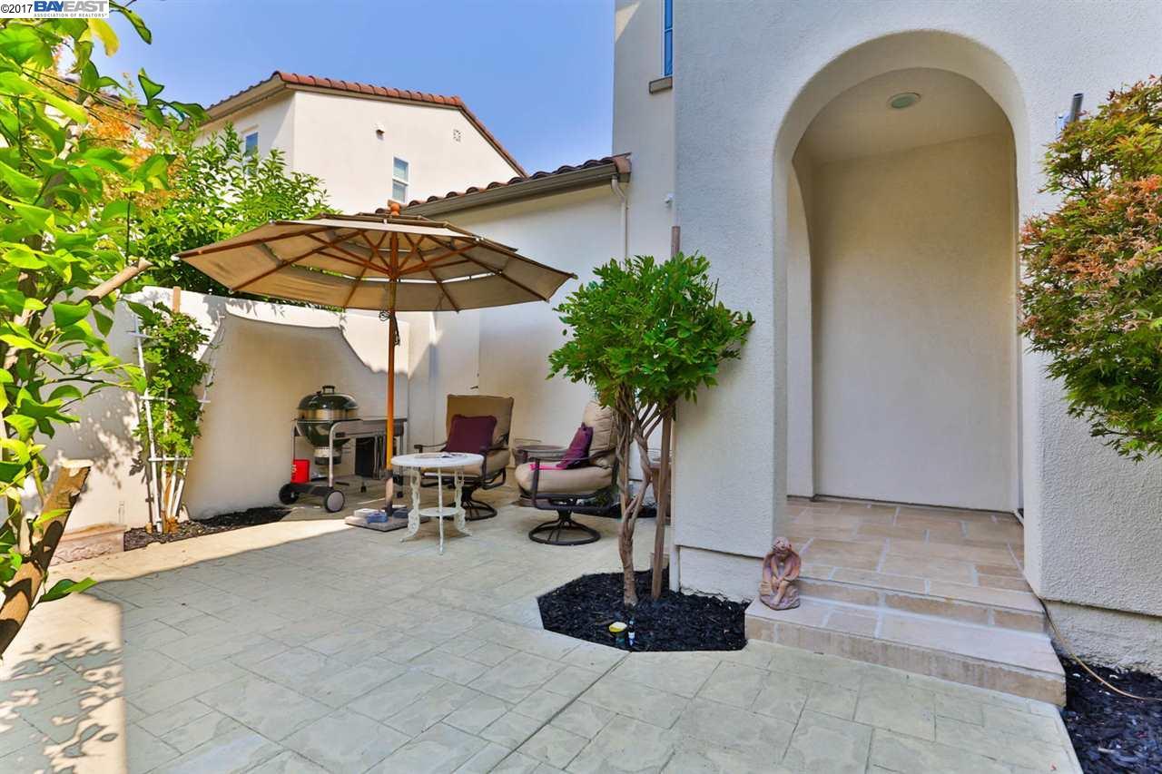 Casa unifamiliar adosada (Townhouse) por un Venta en 3034 Cedarwood Loop San Ramon, California 94582 Estados Unidos