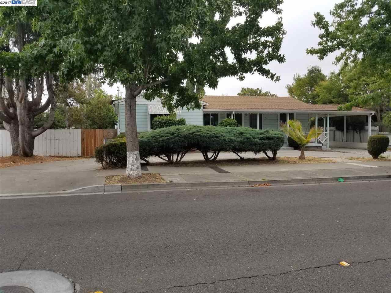 Single Family Home for Rent at 825 Dolores Avenue San Leandro, California 94577 United States
