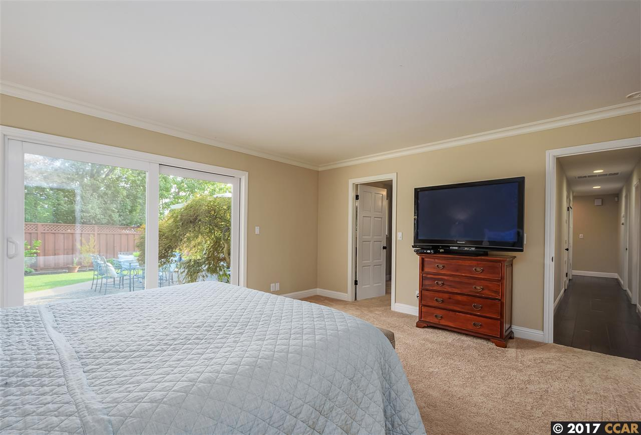 198 TOWN & COUNTRY DRIVE, DANVILLE, CA 94526  Photo
