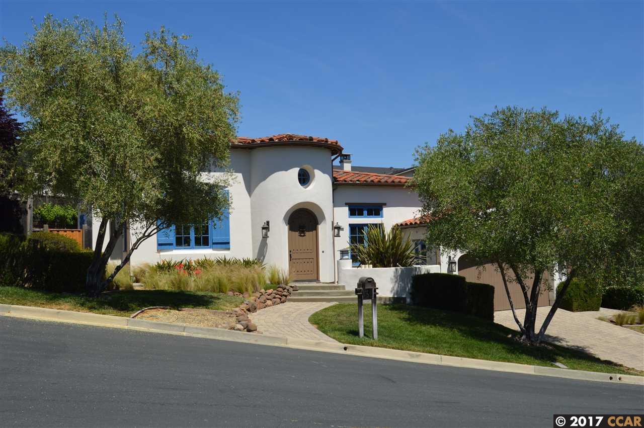 واحد منزل الأسرة للـ Sale في 31 Maison Court 31 Maison Court Moraga, California 94556 United States