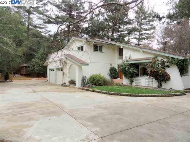 Single Family Home for Sale at 35600 Palomares Road 35600 Palomares Road Castro Valley, California 94552 United States
