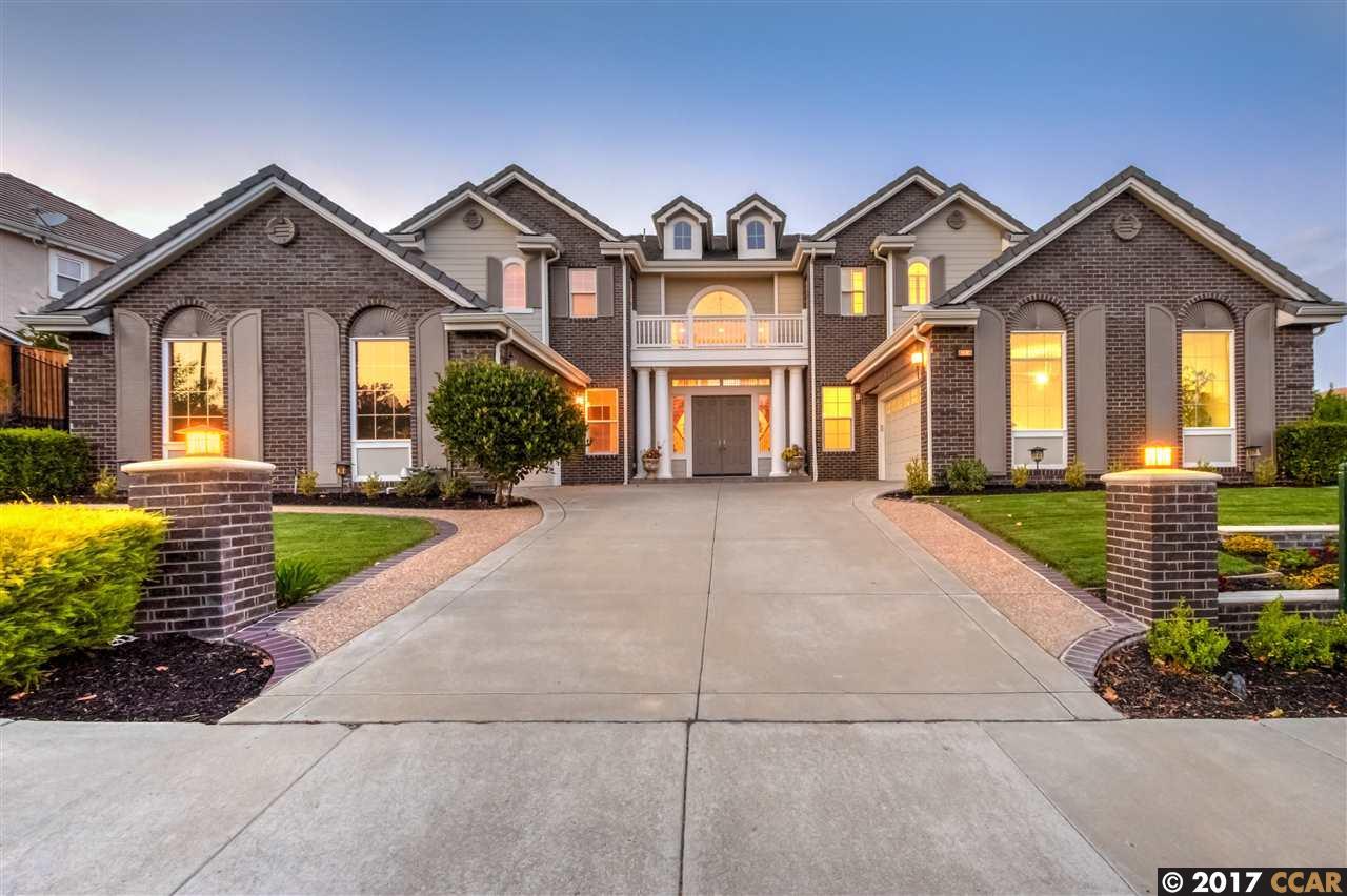 Maison unifamiliale pour l Vente à 6098 Kingsmill Ter Dublin, Californie 94568 États-Unis