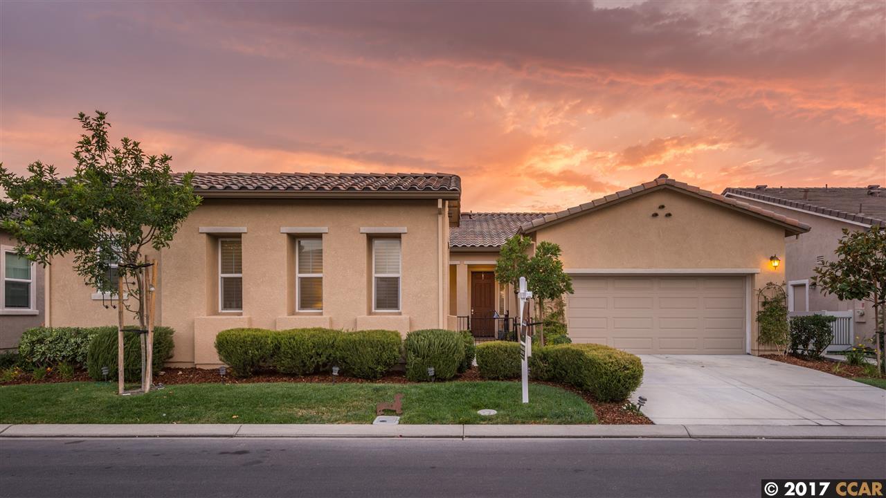 واحد منزل الأسرة للـ Sale في 925 Sunset Landing 925 Sunset Landing Rio Vista, California 94571 United States