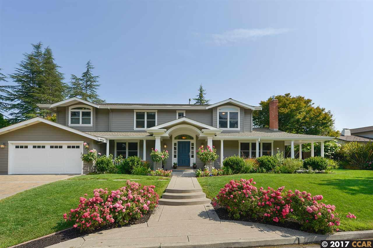 واحد منزل الأسرة للـ Sale في 19 Juniper Way Moraga, California 94556 United States