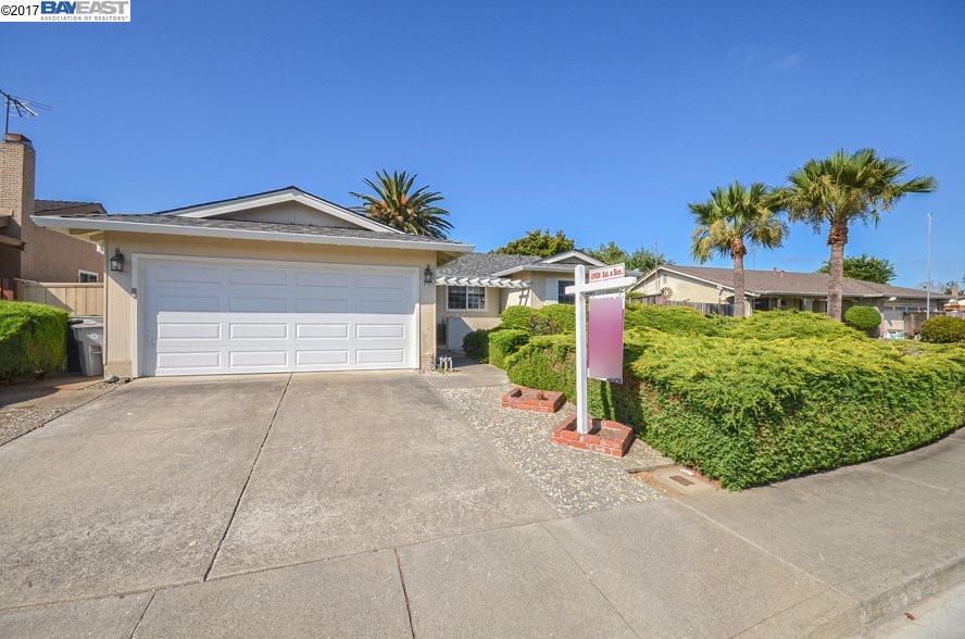Maison unifamiliale pour l Vente à 35767 Caxton Place Fremont, Californie 94536 États-Unis
