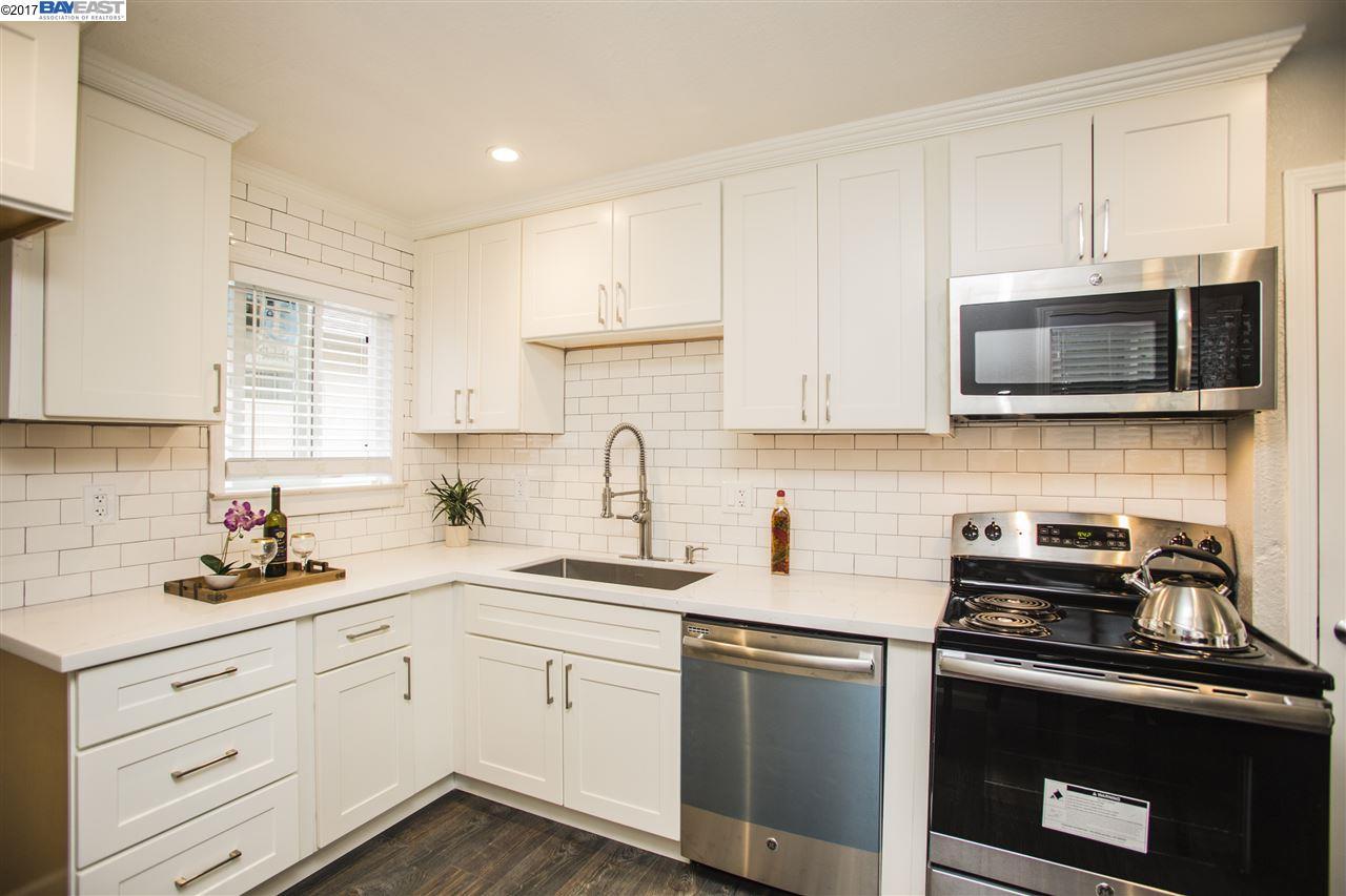 Casa Unifamiliar por un Venta en 716 Via Pacheco San Lorenzo, California 94580 Estados Unidos