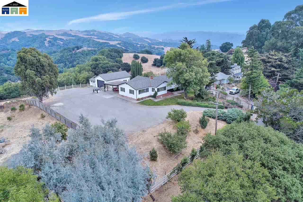 Single Family Home for Sale at 6893 Sunnyslope Avenue 6893 Sunnyslope Avenue Castro Valley, California 94552 United States
