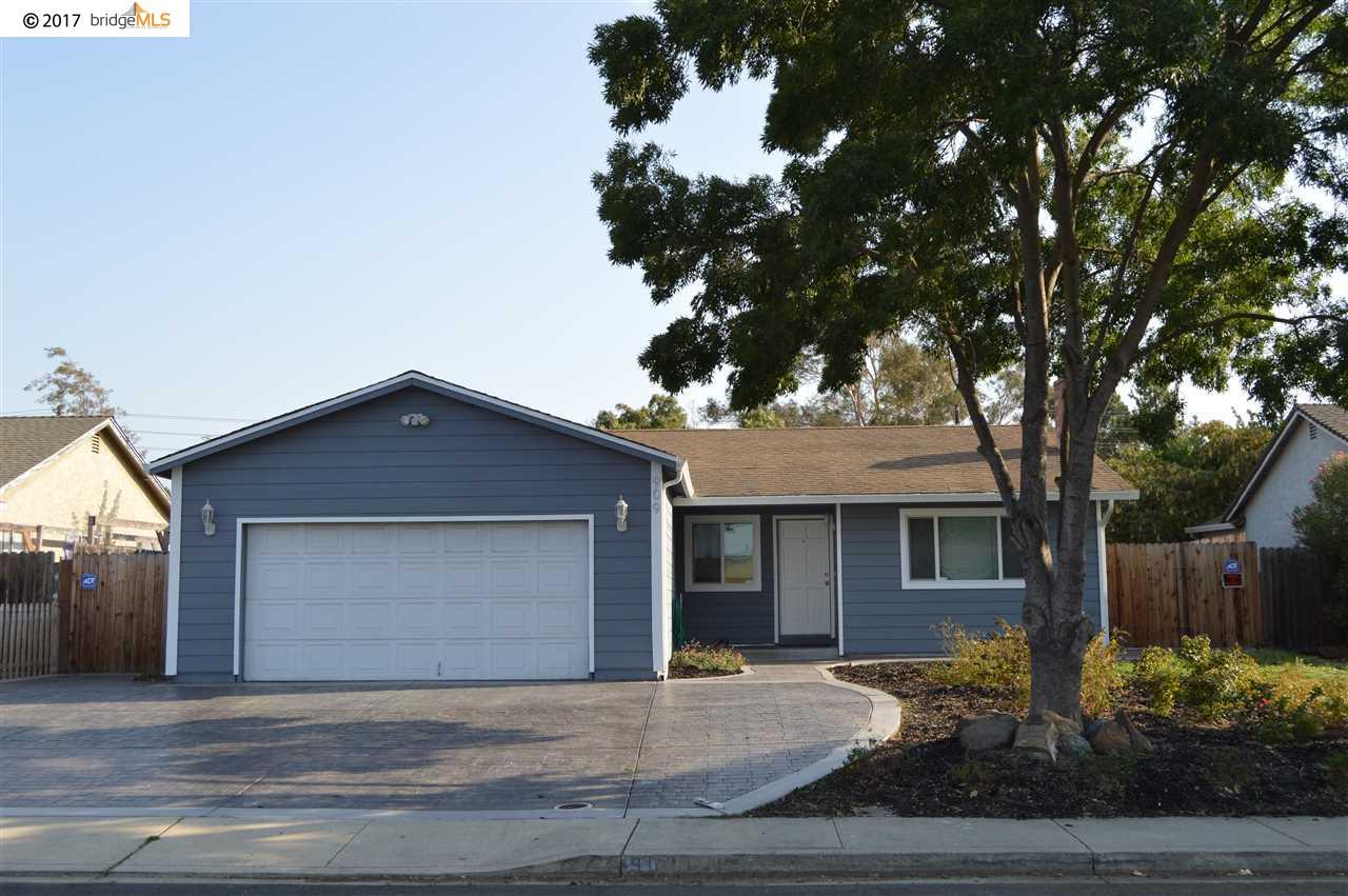 Casa Unifamiliar por un Alquiler en 909 Chianti Way Oakley, California 94561 Estados Unidos