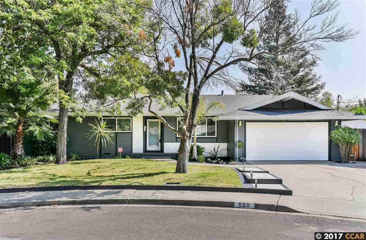 Maison unifamiliale pour l Vente à 956 Bannock Court Concord, Californie 94518 États-Unis