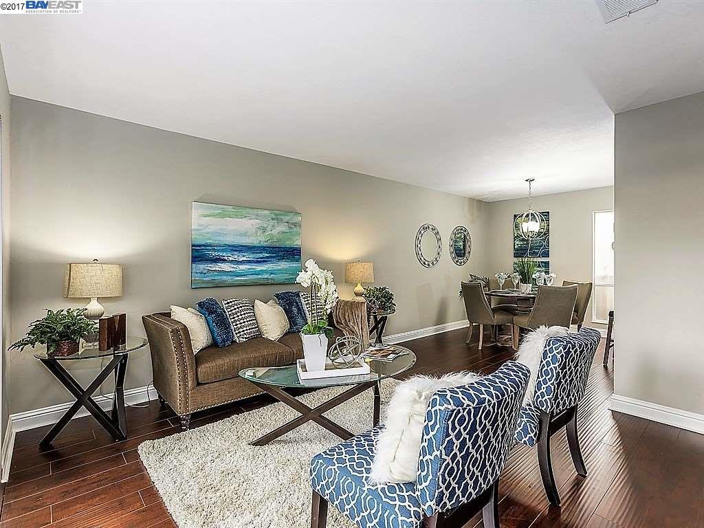 Appartement en copropriété pour l Vente à 5497 Roundtree Drive 5497 Roundtree Drive Concord, Californie 94521 États-Unis