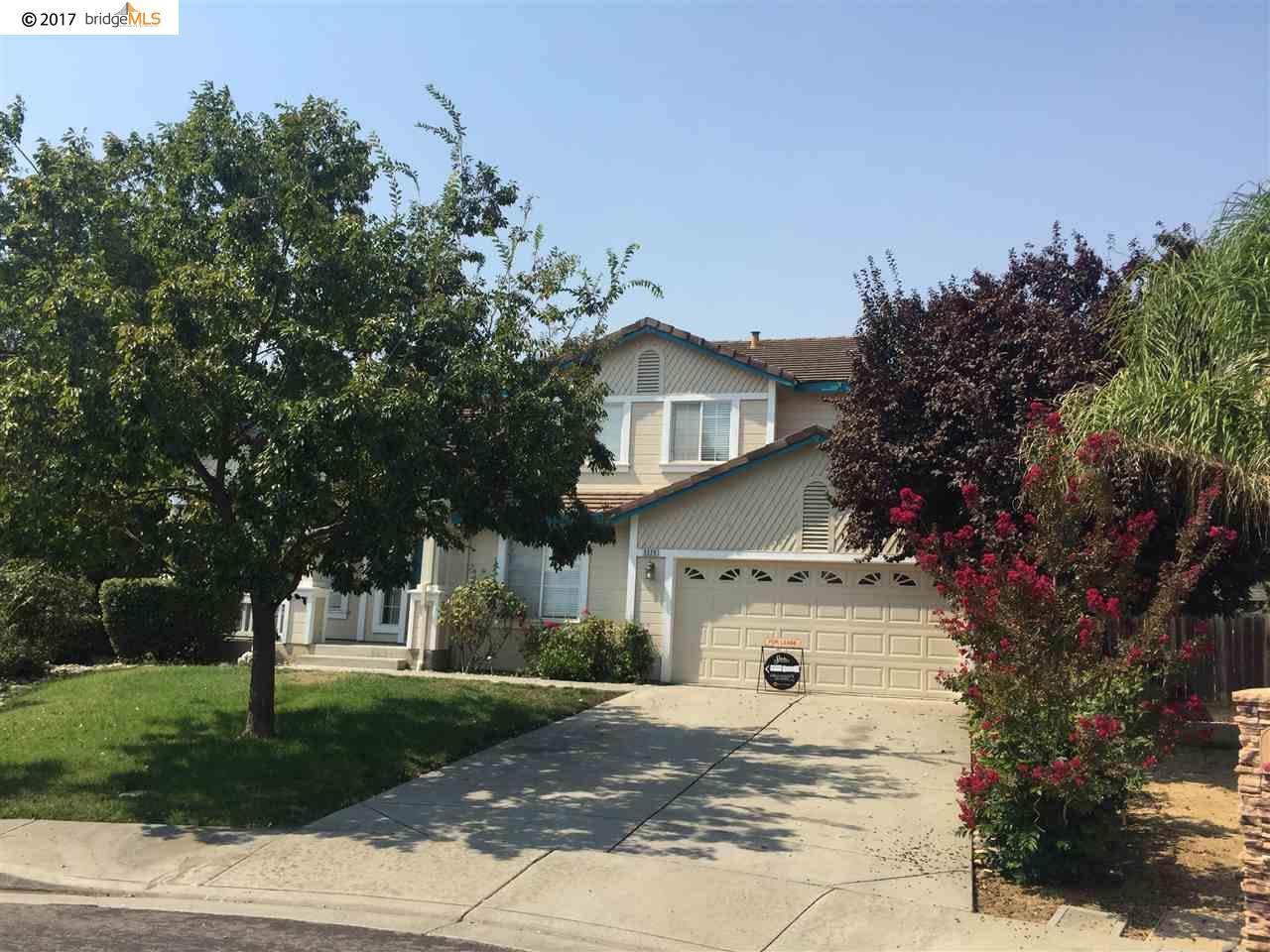 Частный односемейный дом для того Аренда на 5220 CHINOOK Court 5220 CHINOOK Court Antioch, Калифорния 94531 Соединенные Штаты