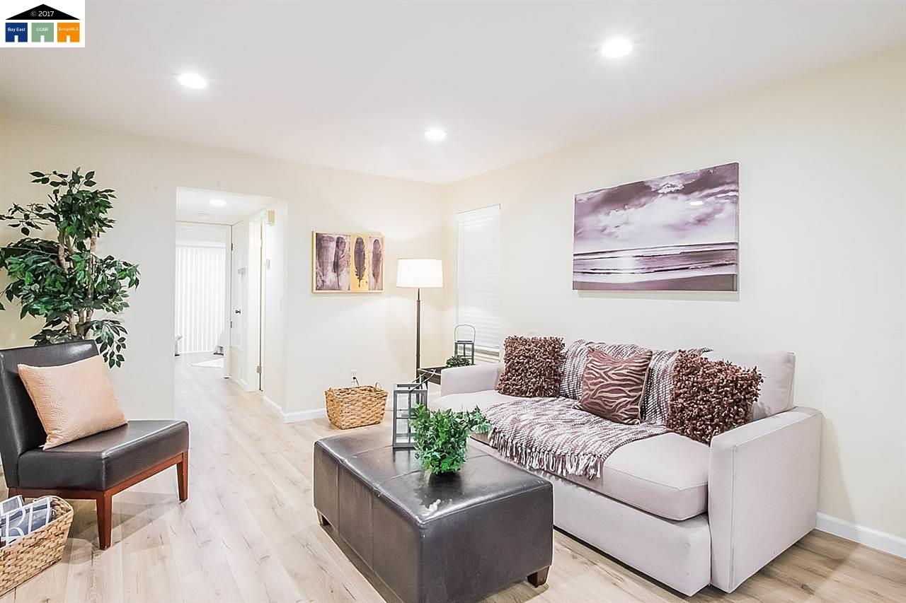 Appartement en copropriété pour l Vente à 31 Las Moradas Circle 31 Las Moradas Circle San Pablo, Californie 94806 États-Unis