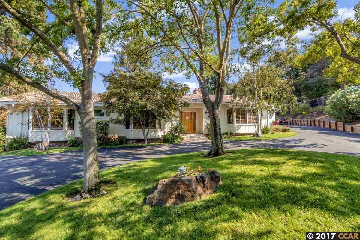 Частный односемейный дом для того Продажа на 3216 Los Palos Circle 3216 Los Palos Circle Lafayette, Калифорния 94549 Соединенные Штаты