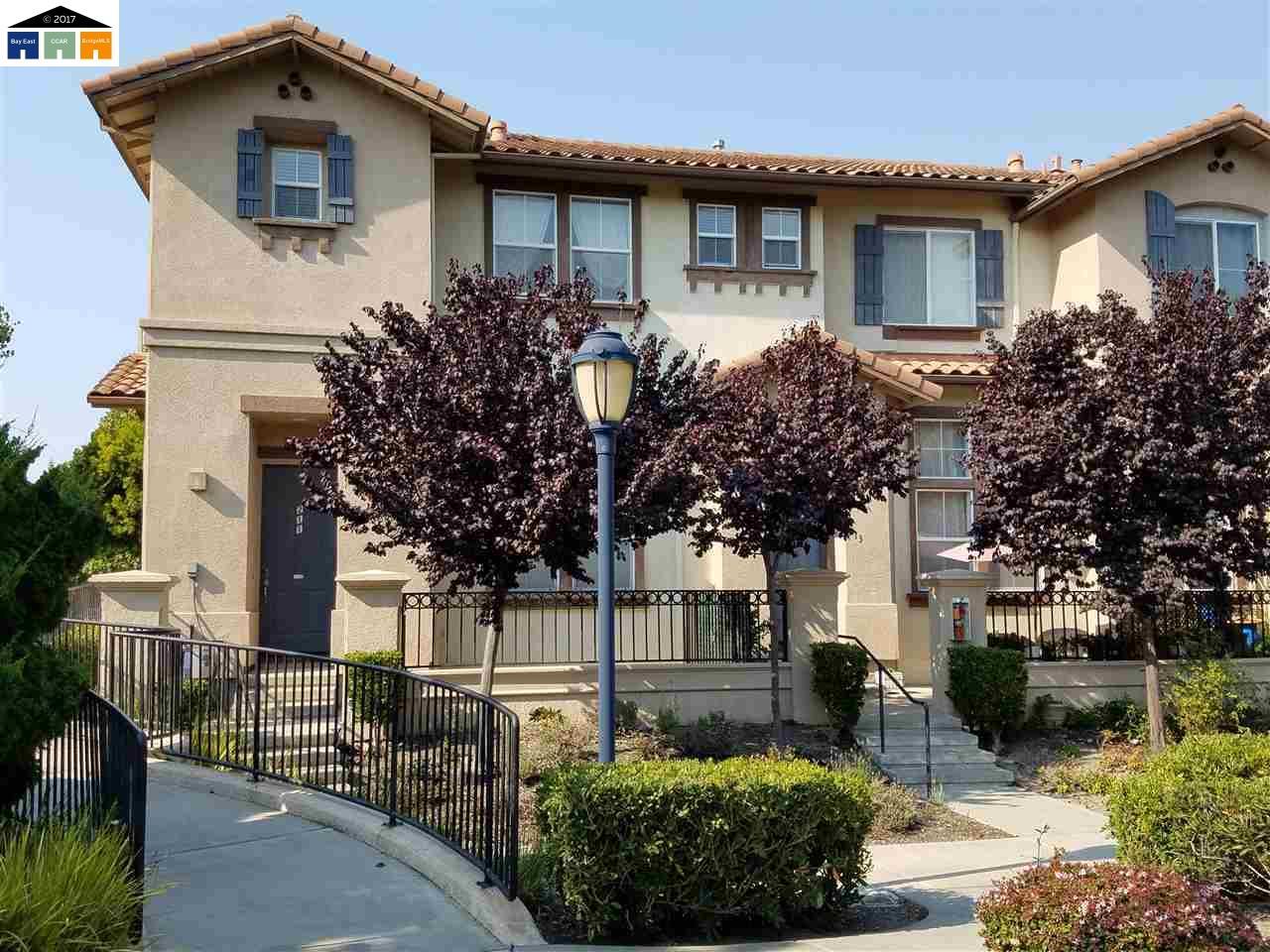 一戸建て のために 売買 アット 211 Santa Barbara Street 211 Santa Barbara Street San Pablo, カリフォルニア 94806 アメリカ合衆国