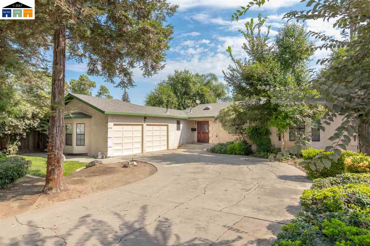 Single Family Home for Sale at 207 N 7Th Street 207 N 7Th Street Patterson, California 95363 United States