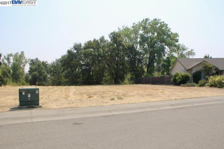 Additional photo for property listing at 7776 Pit Road 7776 Pit Road Redding, California 96001 United States