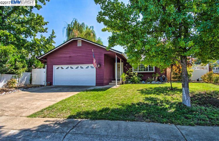 Single Family Home for Sale at 2213 Jessica Way Redding, California 96002 United States