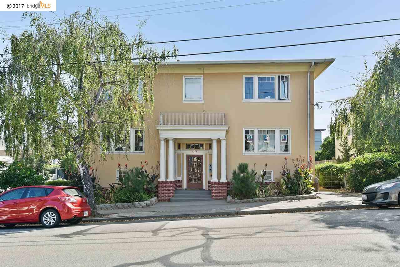 شقة بعمارة للـ Sale في 1379 Hampel Street 1379 Hampel Street Oakland, California 94602 United States