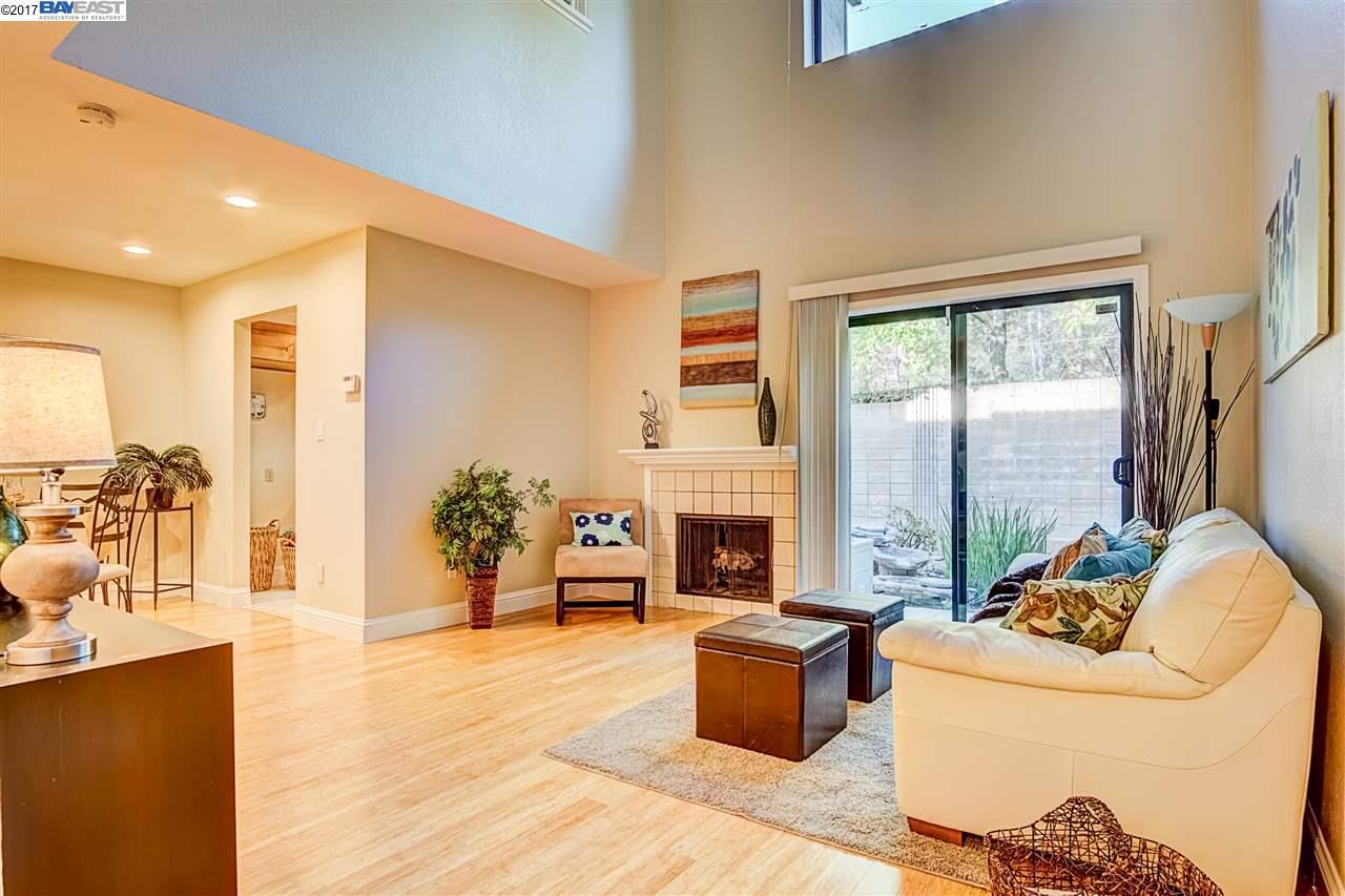 タウンハウス のために 売買 アット 36054 Mckeown Ter 36054 Mckeown Ter Fremont, カリフォルニア 94536 アメリカ合衆国