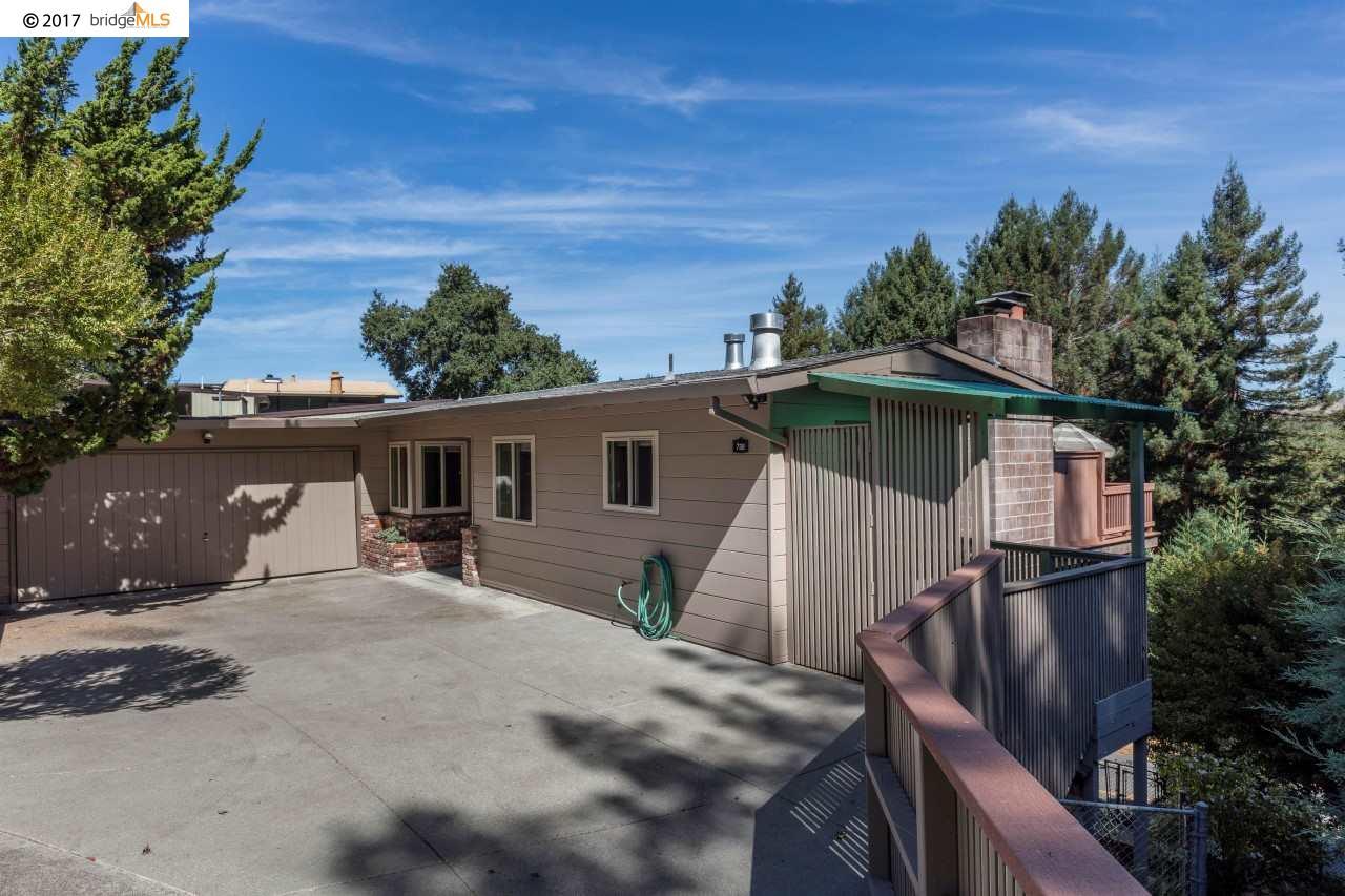 واحد منزل الأسرة للـ Sale في 738 Wildcat Canyon Road Berkeley, California 94708 United States