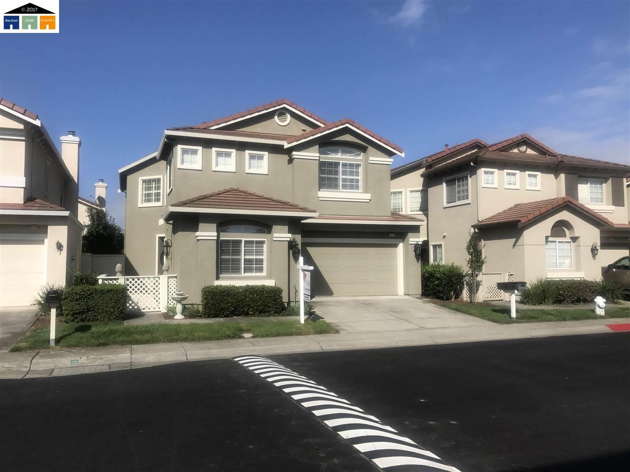 Casa Unifamiliar por un Venta en 16133 Silverleaf Drive San Lorenzo, California 94580 Estados Unidos