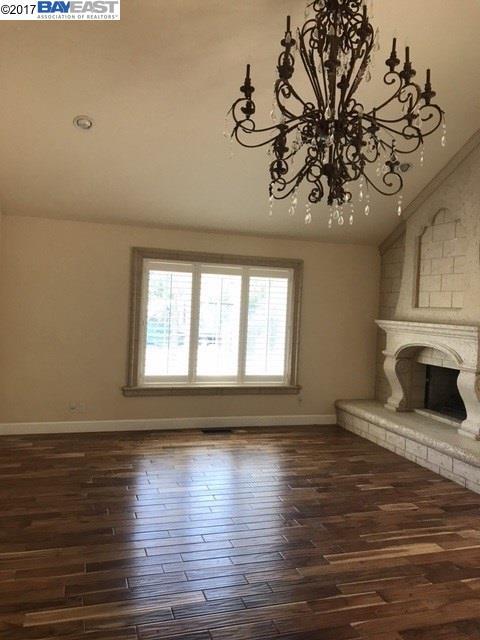 Частный односемейный дом для того Аренда на 7100 Crow Canyon Road Castro Valley, Калифорния 94552 Соединенные Штаты