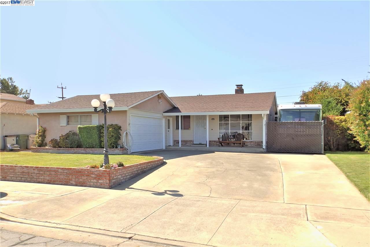 Maison unifamiliale pour l Vente à 4929 Wheeler Drive 4929 Wheeler Drive Fremont, Californie 94538 États-Unis