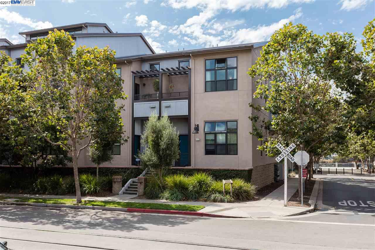 Townhouse for Sale at 2903 Glascock 2903 Glascock Oakland, California 94601 United States