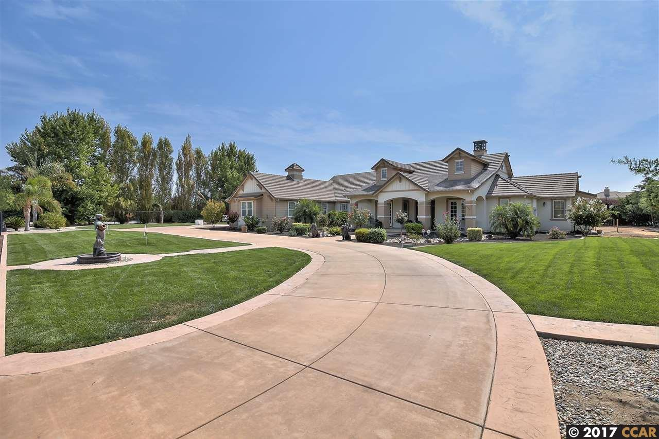 Single Family Home for Sale at 8850 W Fairoaks Road Tracy, California 95304 United States