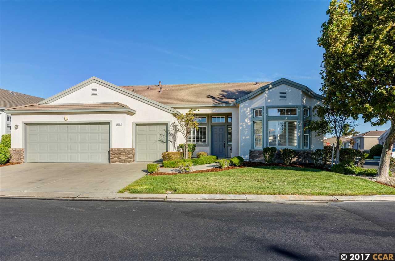 獨棟家庭住宅 為 出售 在 911 Inverness Drive Rio Vista, 加利福尼亞州 94571 美國