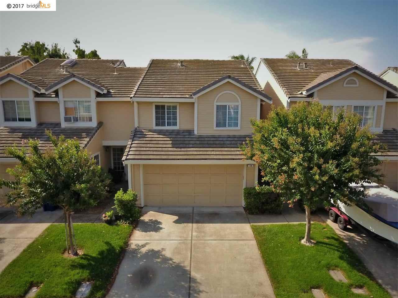 Stadthaus für Verkauf beim 138 Pelican Loop Pittsburg, Kalifornien 94565 Vereinigte Staaten