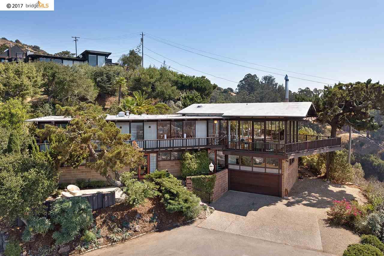 واحد منزل الأسرة للـ Sale في 511 Dwight Place Berkeley, California 94704 United States