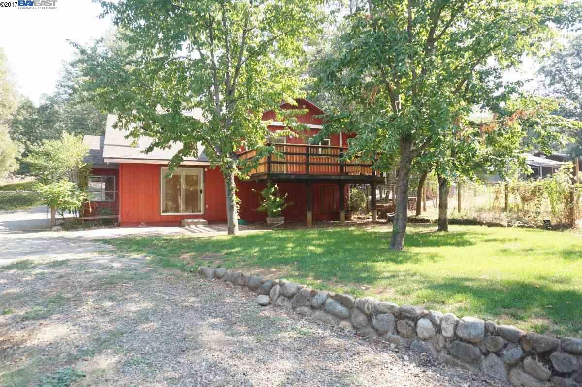 Maison unifamiliale pour l Vente à 450 Glen Road 450 Glen Road Weaverville, Californie 96093 États-Unis