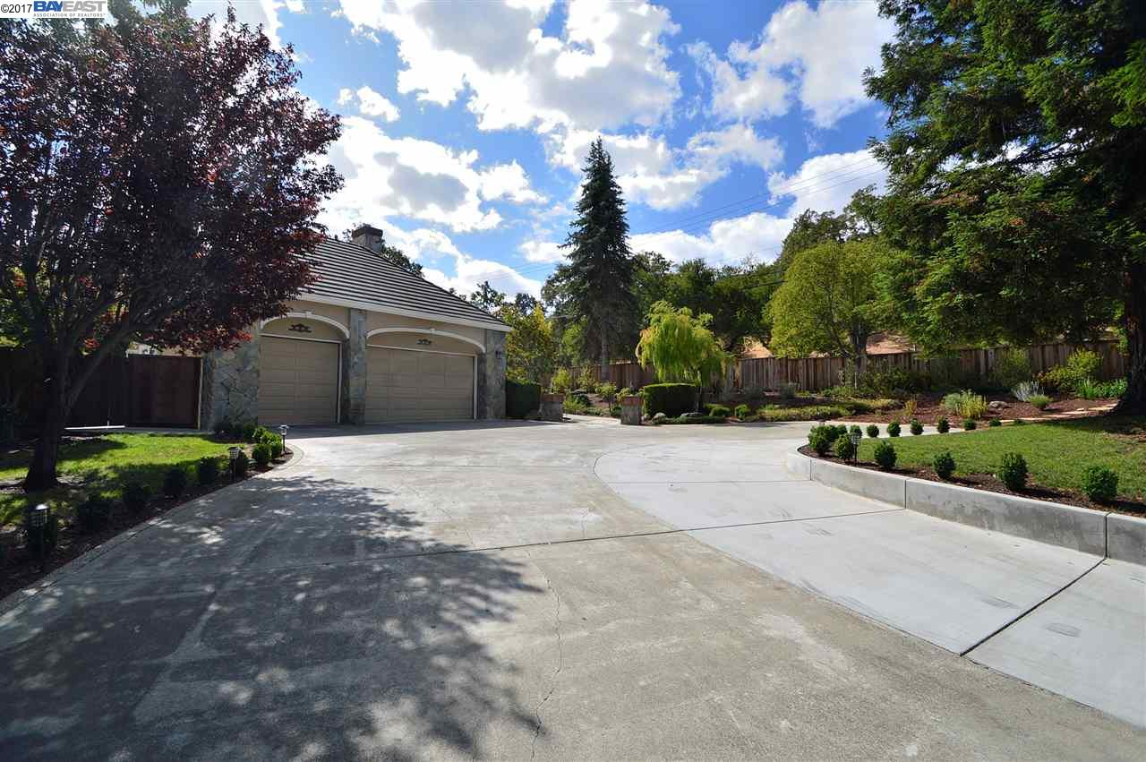 Single Family Home for Sale at 3881 FOOTHILL ROAD 3881 FOOTHILL ROAD Pleasanton, California 94588 United States
