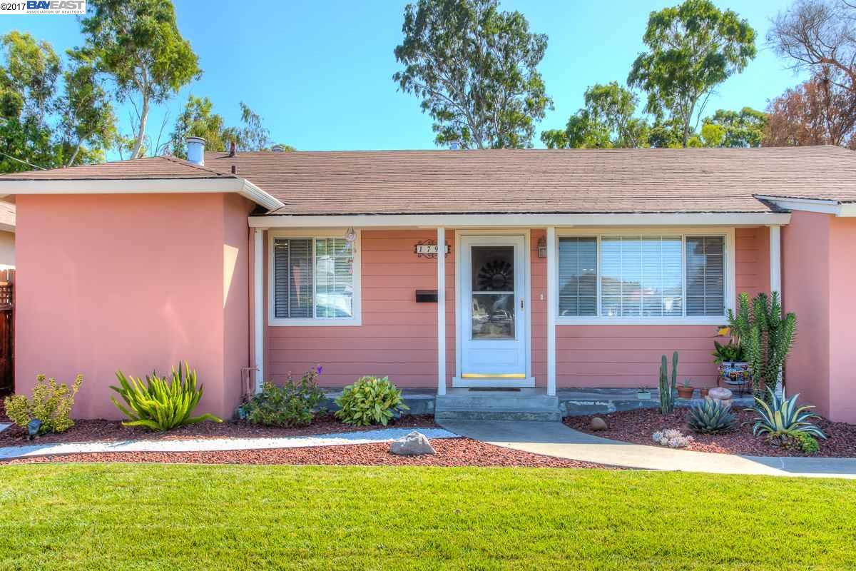 Maison unifamiliale pour l Vente à 1794 Via Sarita San Lorenzo, Californie 94580 États-Unis