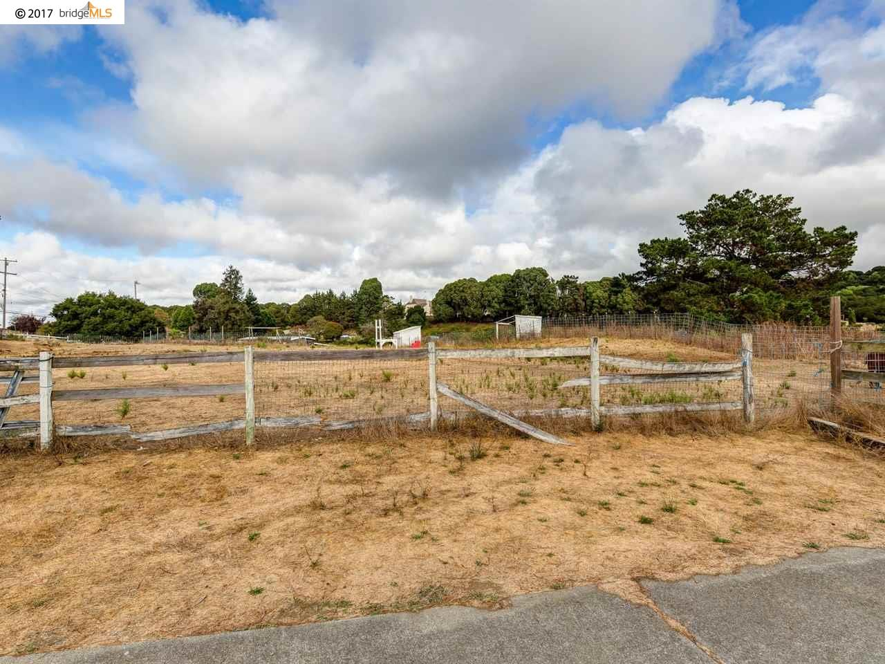 土地 為 出售 在 4251 Arbutus Court 4251 Arbutus Court Hayward, 加利福尼亞州 94542 美國