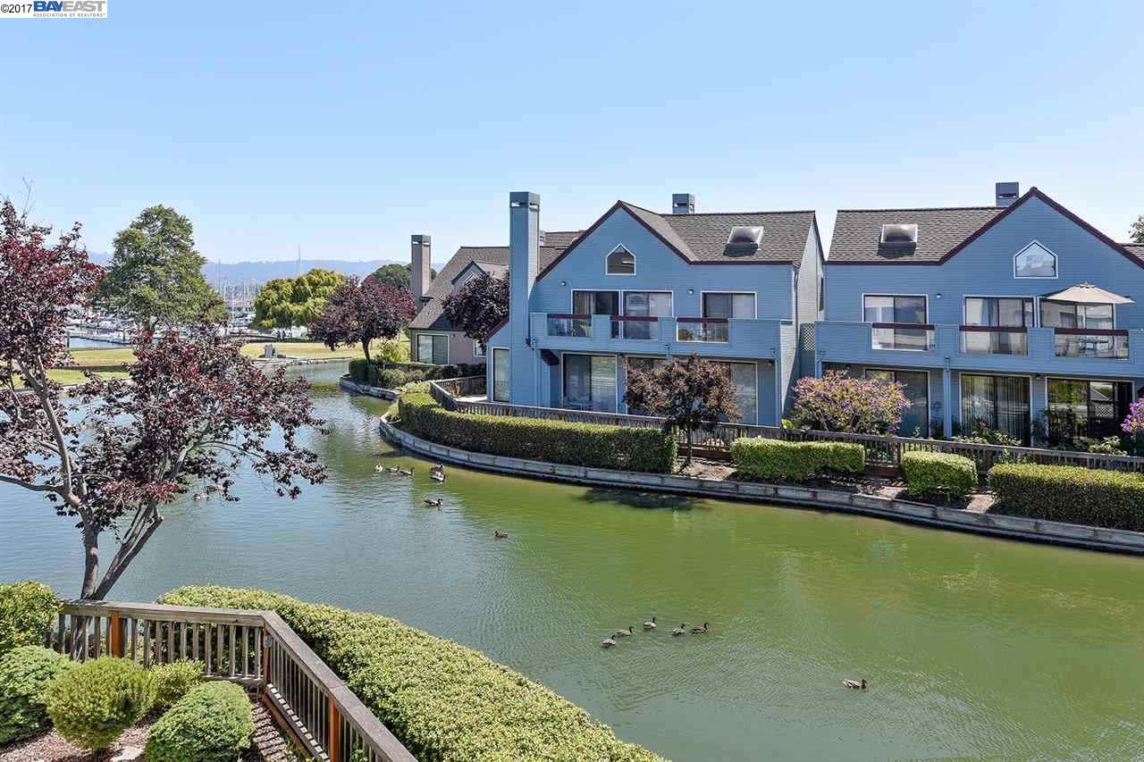 Кондоминиум для того Продажа на 16 Regulus Court 16 Regulus Court Alameda, Калифорния 94501 Соединенные Штаты