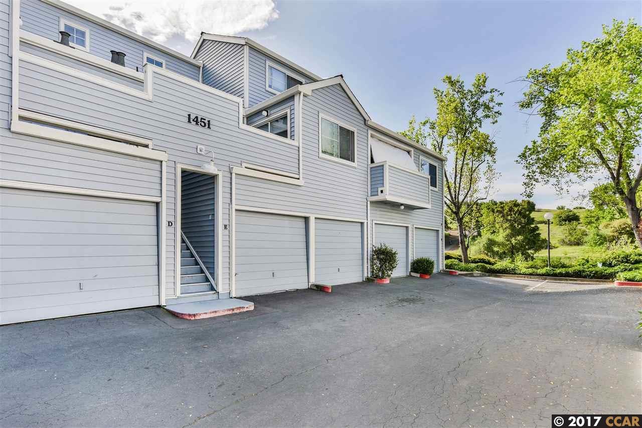 Appartement en copropriété pour l Vente à 1451 Wharton Way 1451 Wharton Way Concord, Californie 94521 États-Unis