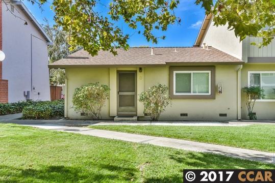 Maison accolée pour l Vente à 3816 Willow Pass Road 3816 Willow Pass Road Concord, Californie 94519 États-Unis