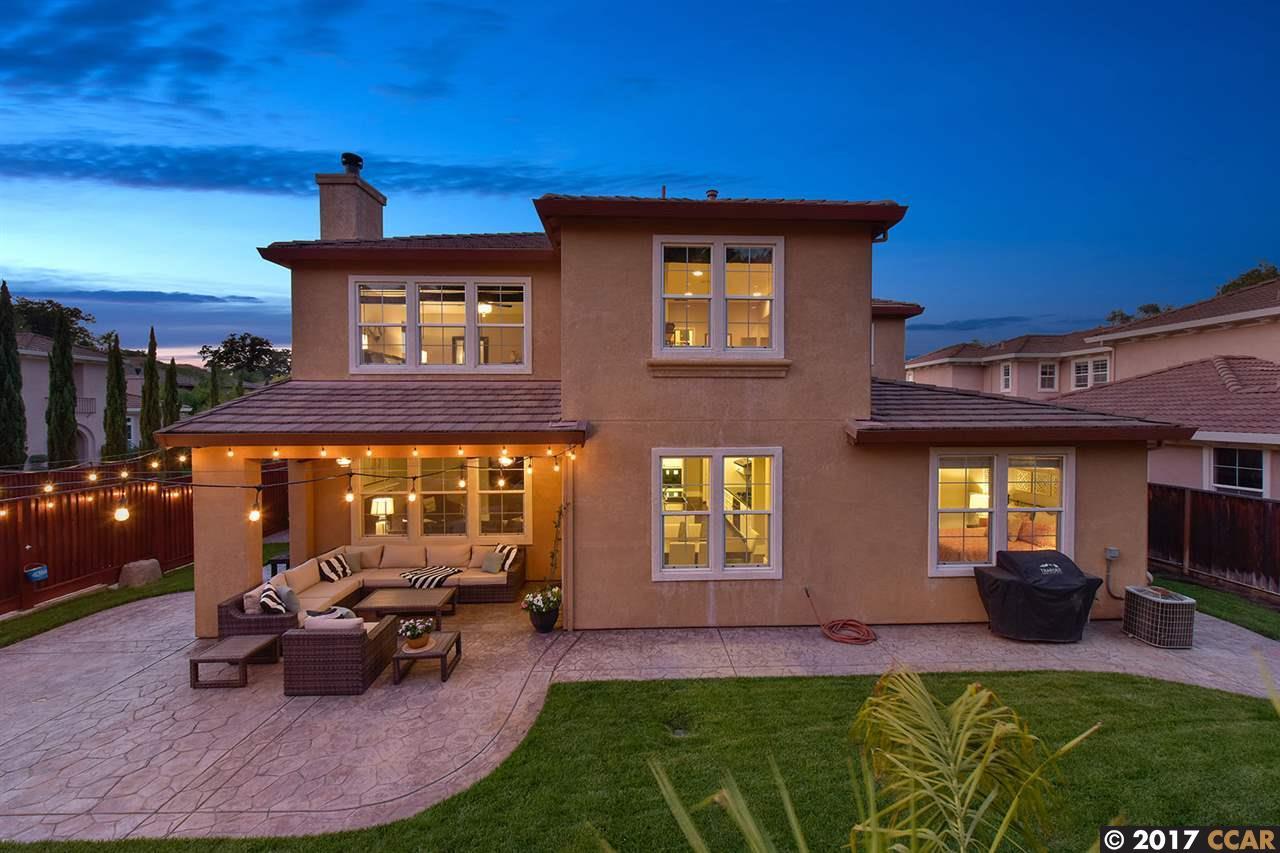 Частный односемейный дом для того Продажа на 5242 S Montecito Drive Concord, Калифорния 94521 Соединенные Штаты