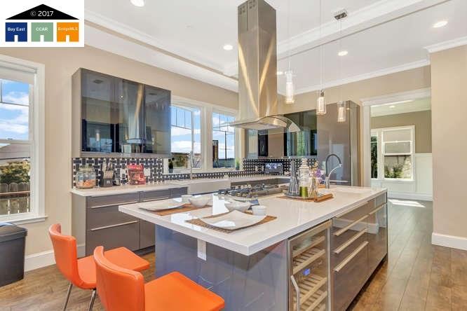 Частный односемейный дом для того Продажа на 738 Georgia Street 738 Georgia Street Vallejo, Калифорния 94590 Соединенные Штаты