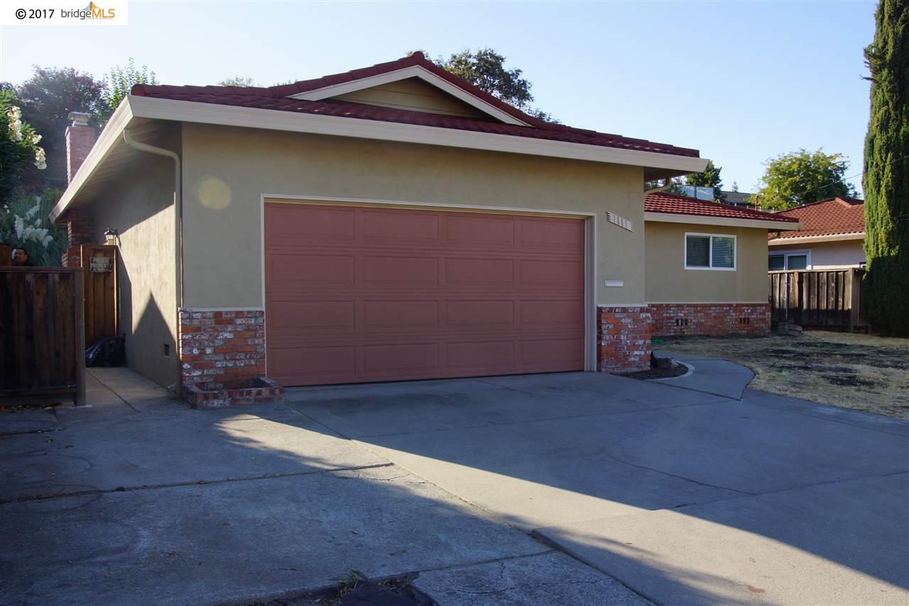 Casa Unifamiliar por un Alquiler en 1111 Morello Avenue 1111 Morello Avenue Martinez, California 94553 Estados Unidos