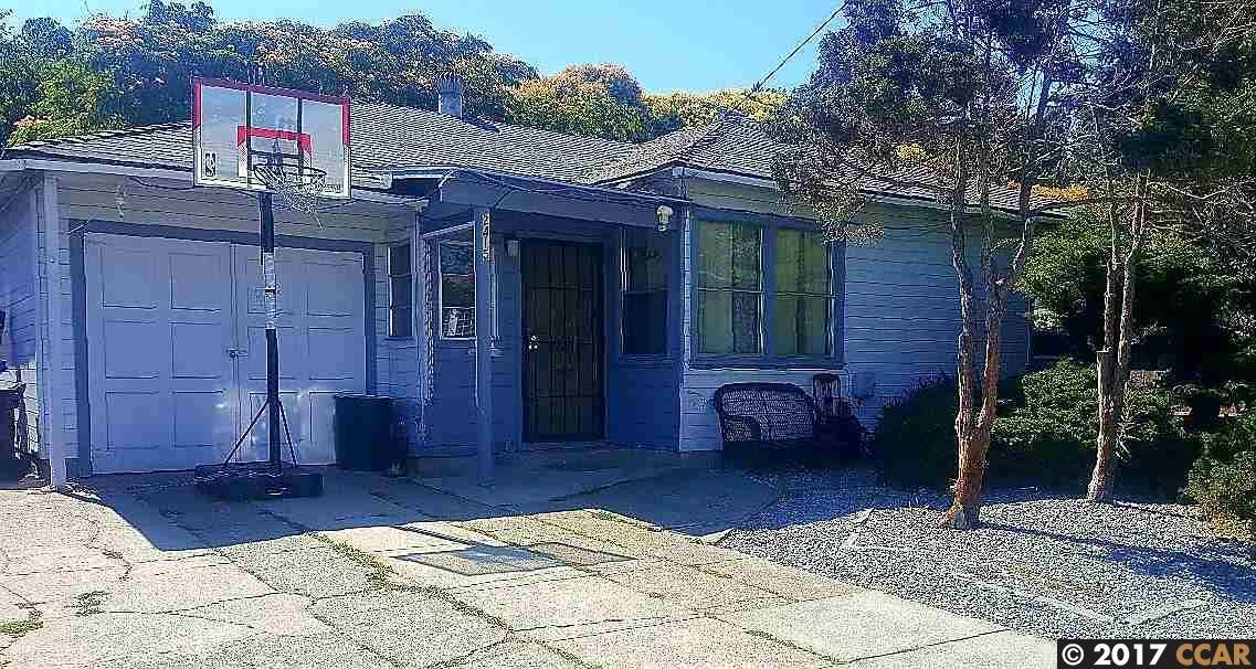 واحد منزل الأسرة للـ Sale في 2415 Greenwood Drive 2415 Greenwood Drive San Pablo, California 94806 United States