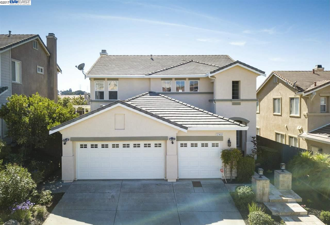 Single Family Home for Sale at 25615 Crestfield Drive 25615 Crestfield Drive Castro Valley, California 94552 United States