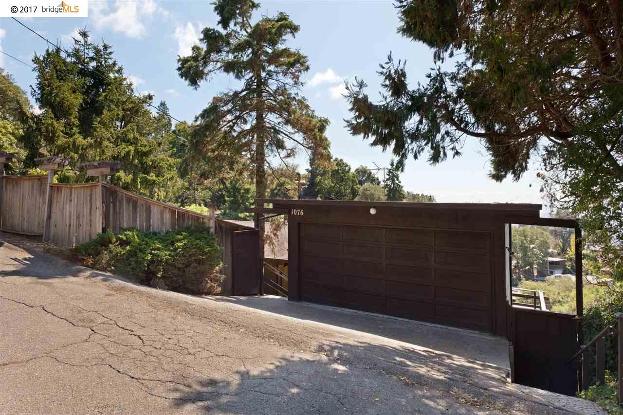 Maison unifamiliale pour l Vente à 1076 Sterling Avenue 1076 Sterling Avenue Berkeley, Californie 94708 États-Unis